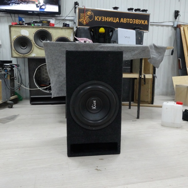 Kicx PRO-302 in box 32Hz